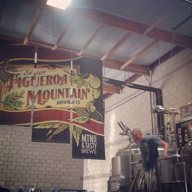 Let there be light on this pilsner. @figmtnbrew #paradiserdpils #figmtnbrew (at Figueroa Mountain Brewing Company)