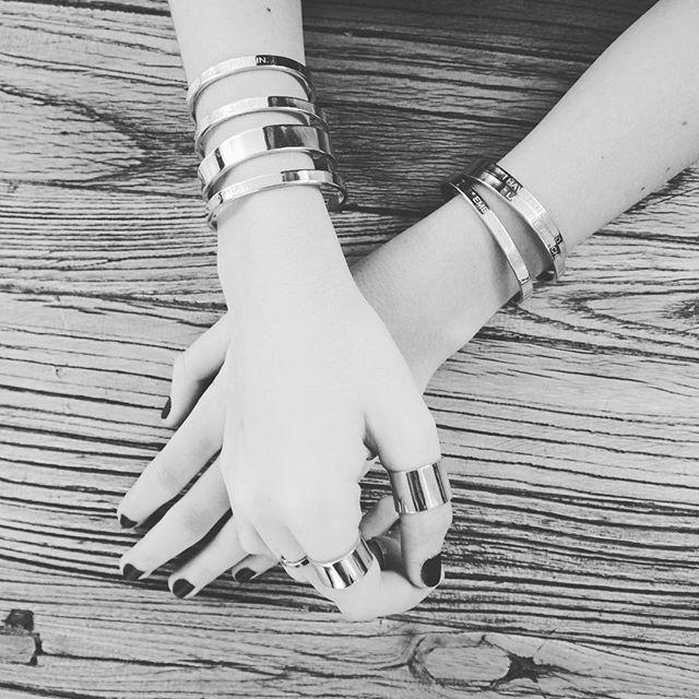 PERFECT GIFT pour Maman. 💋💋💋 #bagues #choker #bracelets 🖤Sur www.bonnieparker.fr🖤 #perfectgift #mothersday #🇫🇷 #createurfrancais #frenchbrand #onlineshop #bonnieparkerjewelry #love