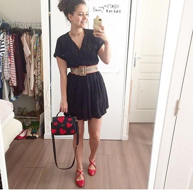 Merci à la jolie @juliettekitsch qui porte notre choker fin à merveille avec son look estival qui nous donne envie de sortir les gambettes, nous aussi. ☀️ • www.bonnieparker.fr •  #bonnieparkerjewelry #createurfrancais #frenchbrand #frenchdesigner #jewels #bijoux #choker #fashion #ootd #bloggerstyle #pretty #style