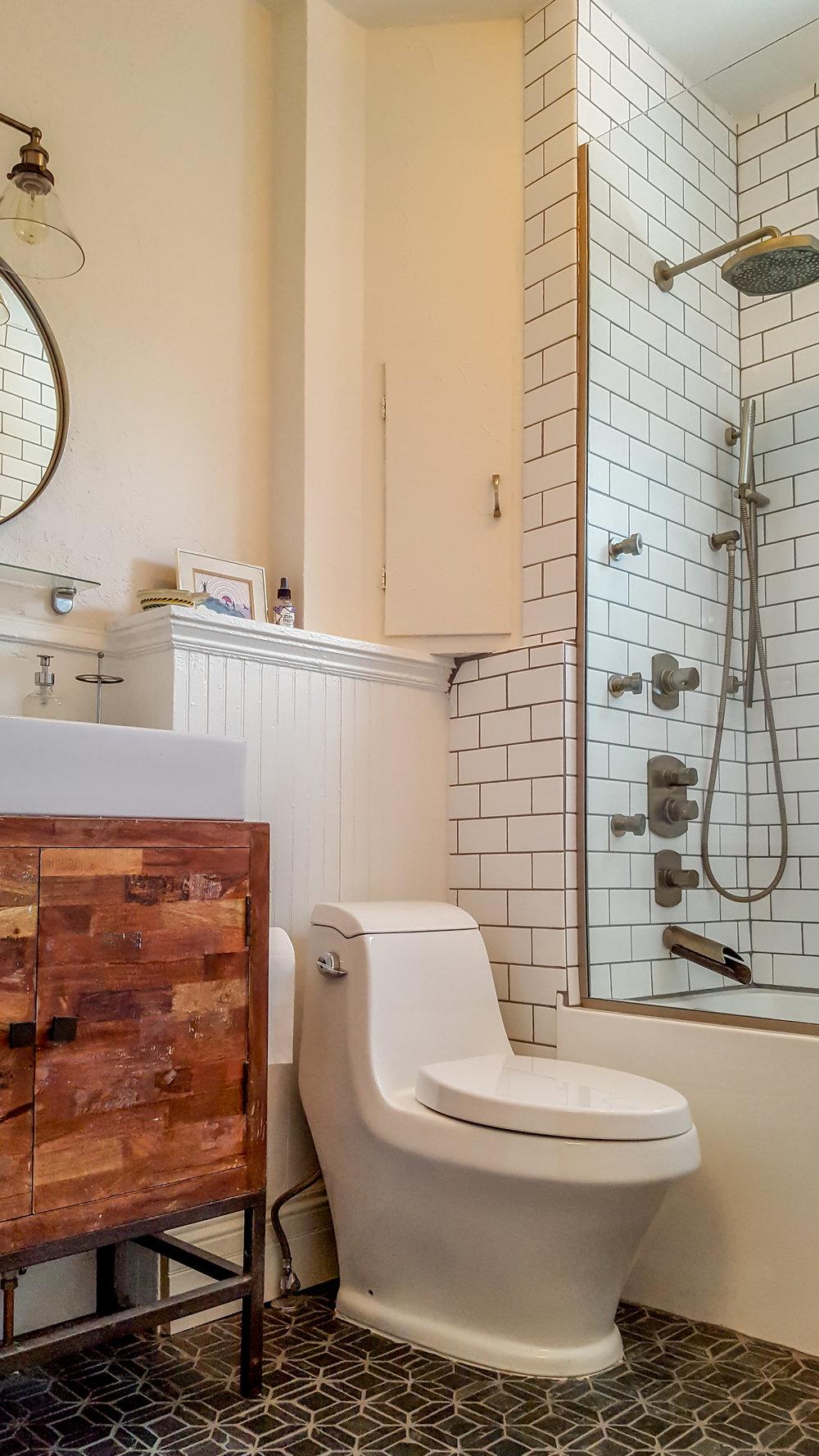 Baño pequeño arriba (1).jpg