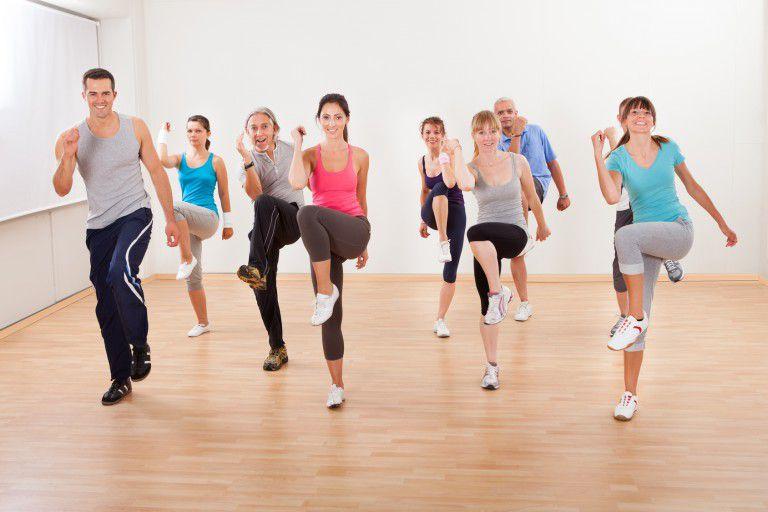 various people doing cardio.jpg