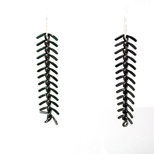 Gunmetal-Fishbone-chain-$18-Tracy-Mallon-2.jpg
