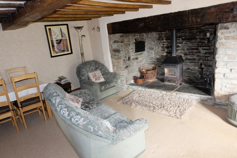Featuring a cosy and traditional living room