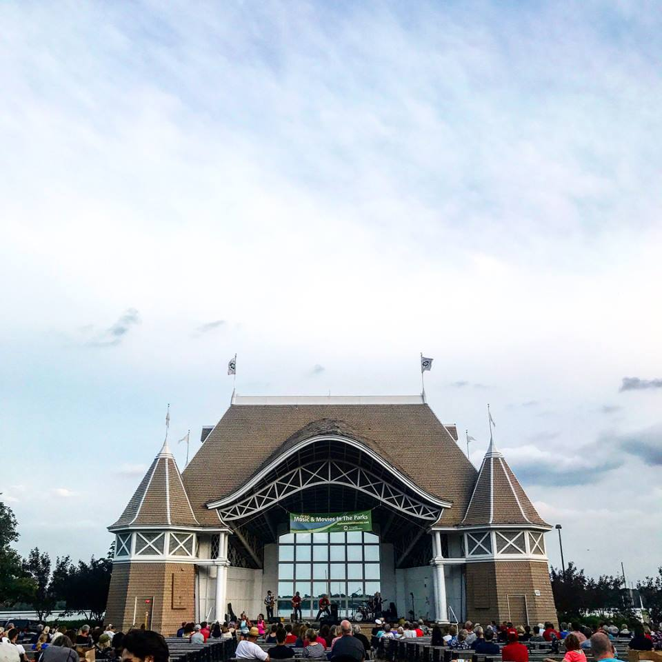 date night at Lake Harriet Bandshell | momming is hard