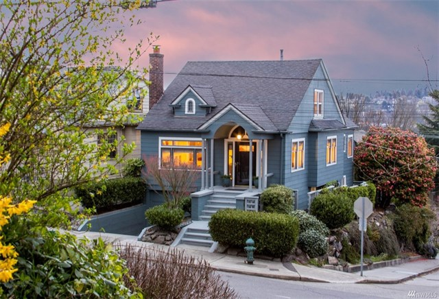 We helped our clients sell this 1930 Lake Union view home to some 1st time homebuyers! Our clients were then able to purchase their dream retirement home in the San Juan Passage!
