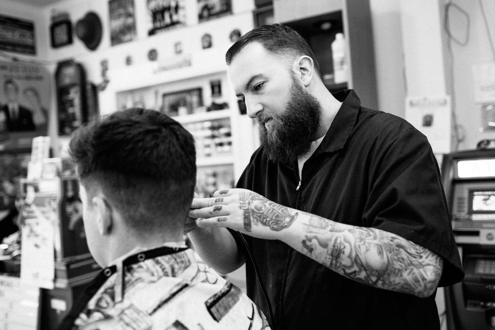 Barber Hours : Old School Barbering