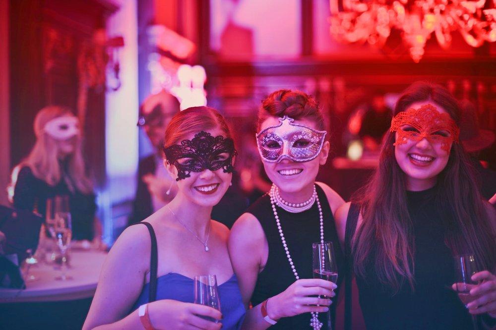 Masquerade hotel du pont