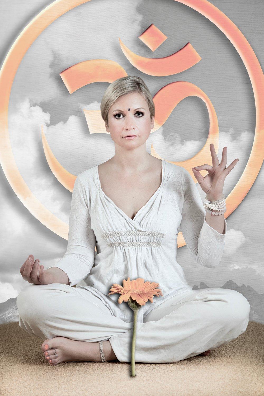 Inga Nowakowska - Yogalehrerin (BYV)Ganzheitliche Yogatherapeutin (BYAT)IngaYoga, EssenE-Mail: info@ingayoga.net