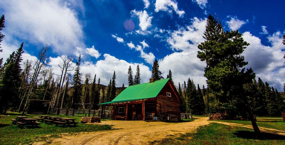 shadow-creek-ranch-silverthorne-colorado-base-camp.jpg