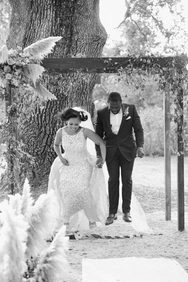 04 2017-09-03-jeanni-dunagan-photography-tuscan-garden-wedding-at-campovida-winery-71.jpg