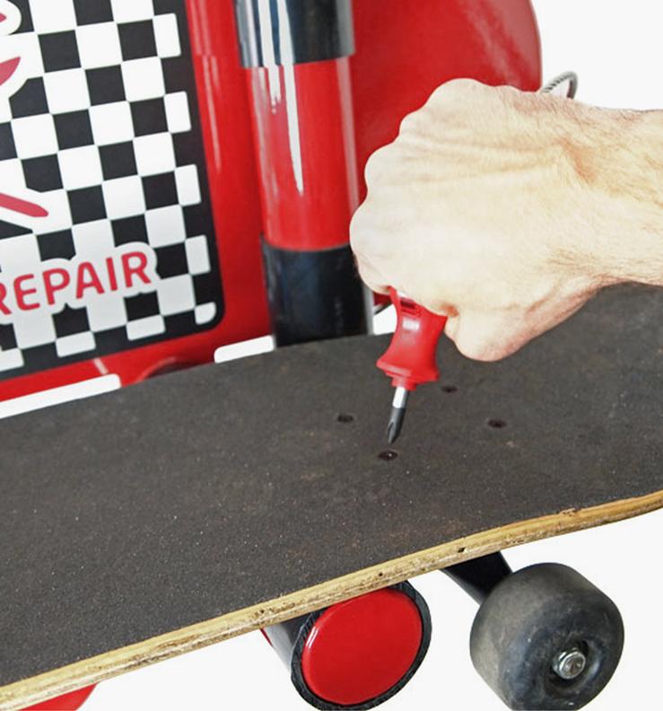Huntco_BikeRepair_Skateboard_Repair_Stand_Intuitive.png
