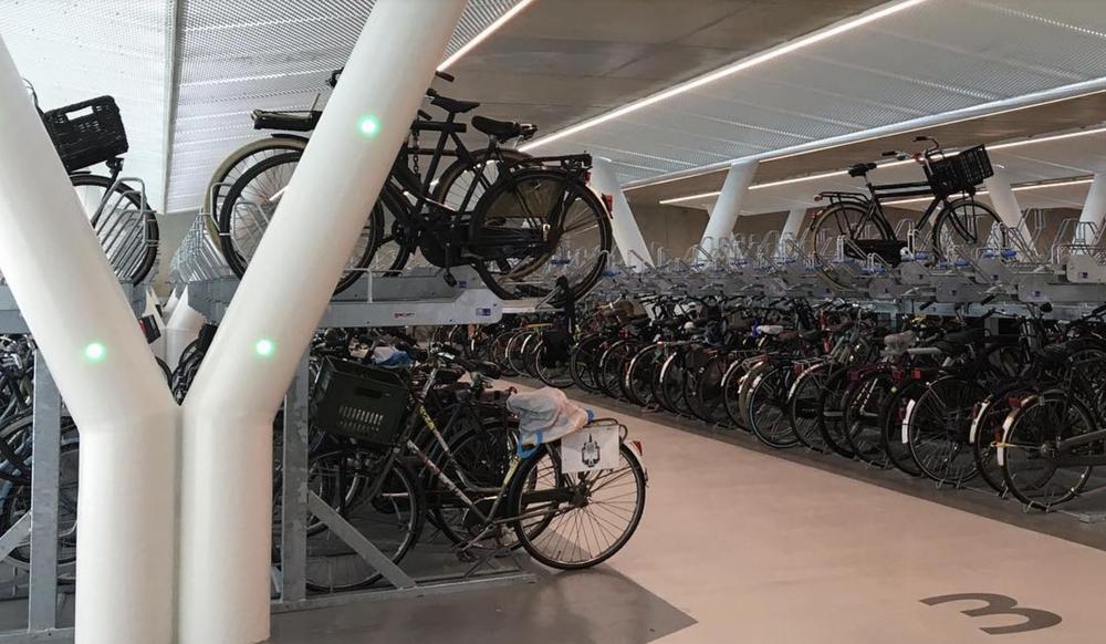 Huntco_Amsterdam_Bike-Garage_4.png