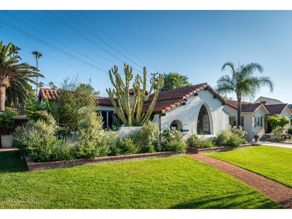 Splendid-Spanish-Oasis-650-Burchett-Street-Glendale-CA-91202-1.jpg