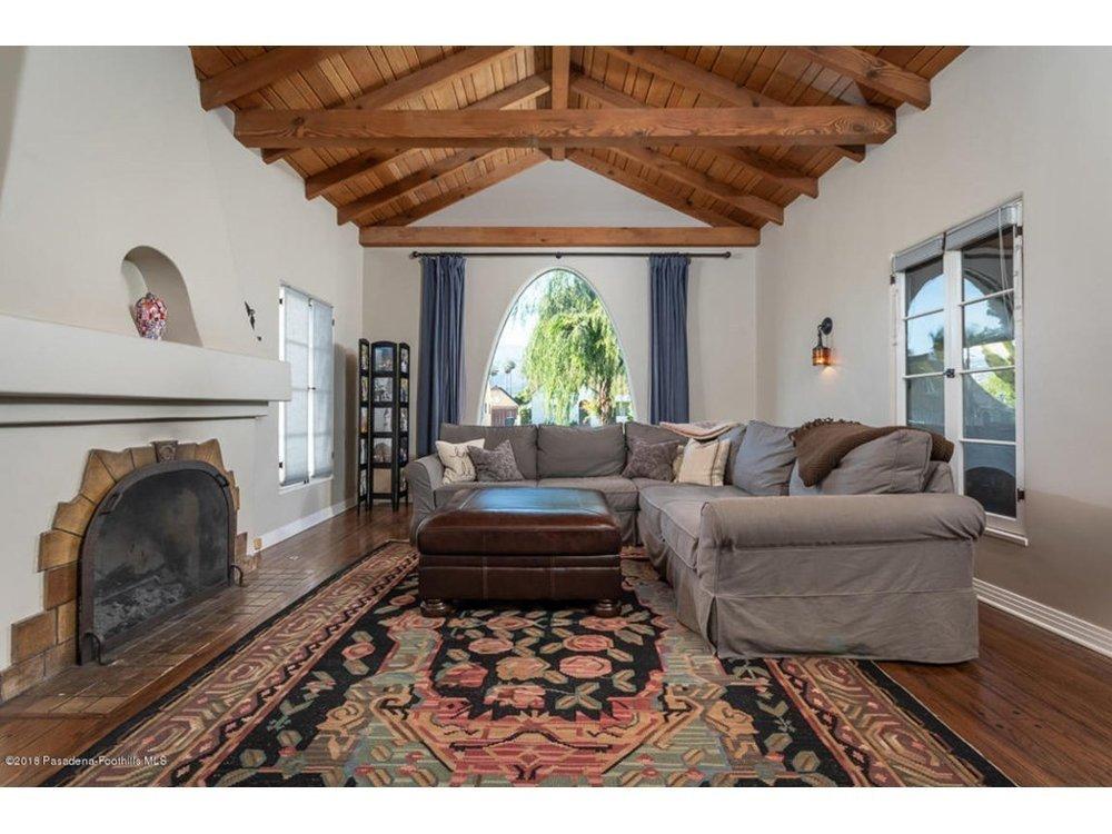 Splendid-Spanish-Oasis-650-Burchett-Street-Glendale-CA-91202-6.jpg