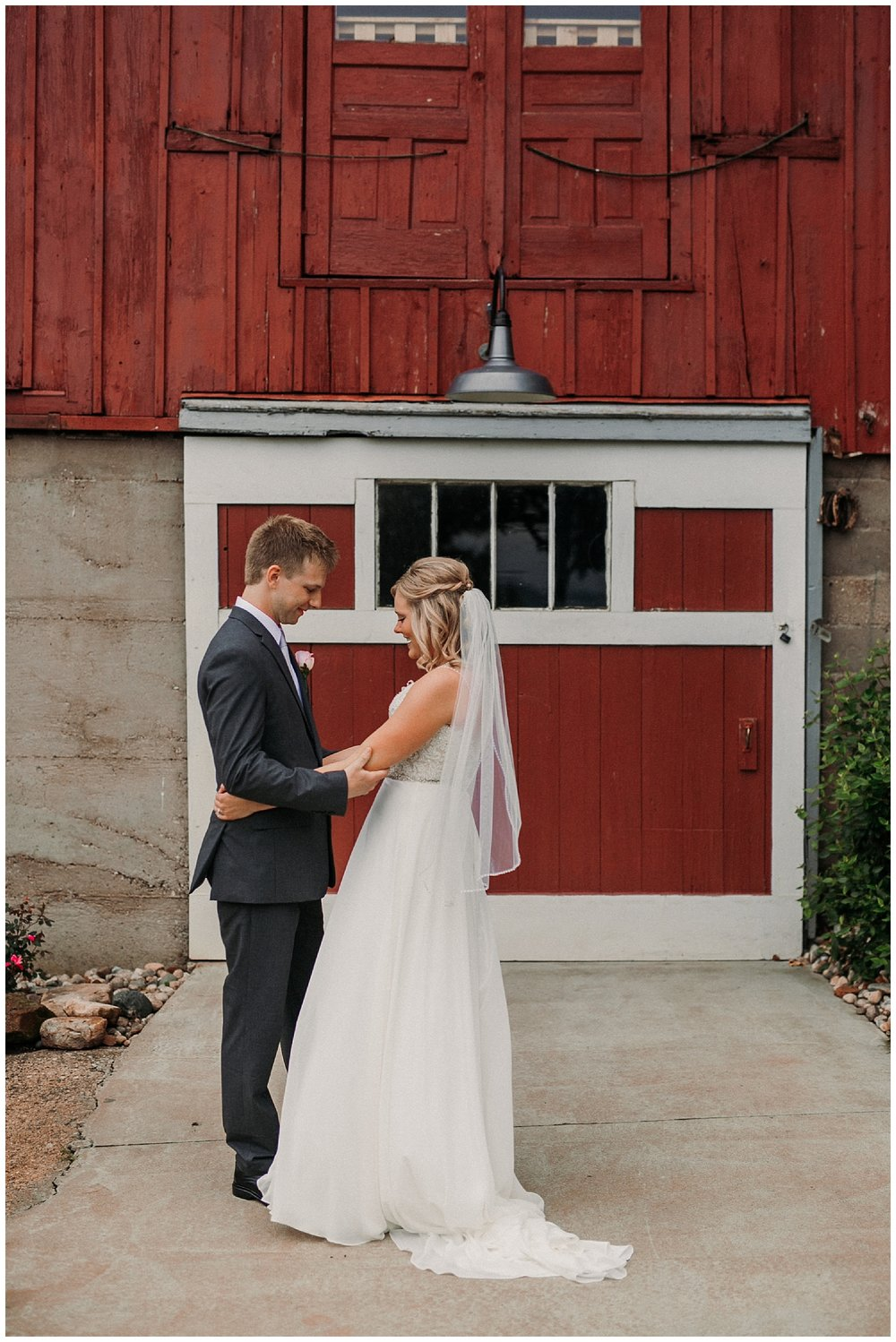 lindybeth photography - persenaire wedding - the old wooden barn-37.jpg