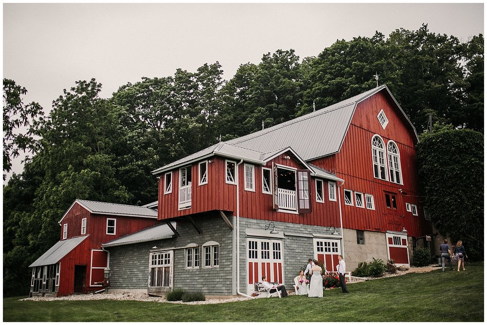 lindybeth photography - persenaire wedding - the old wooden barn-191.jpg