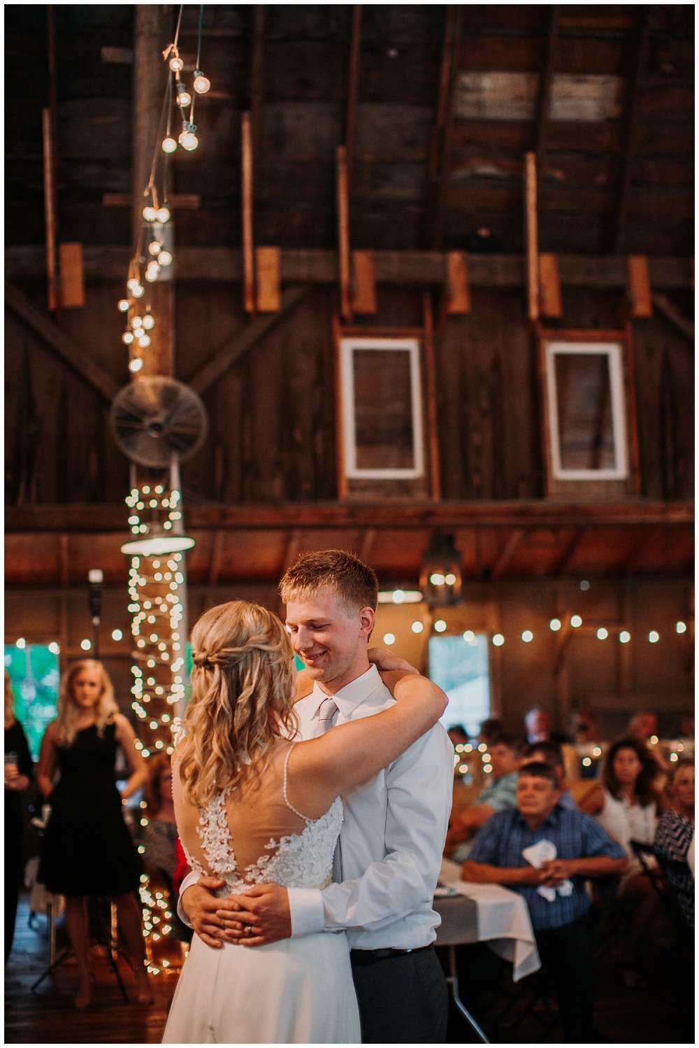 lindybeth photography - persenaire wedding - the old wooden barn-221.jpg