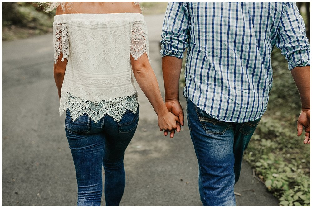 lindybeth photography - engagement pictures - nikki dayton-111.jpg