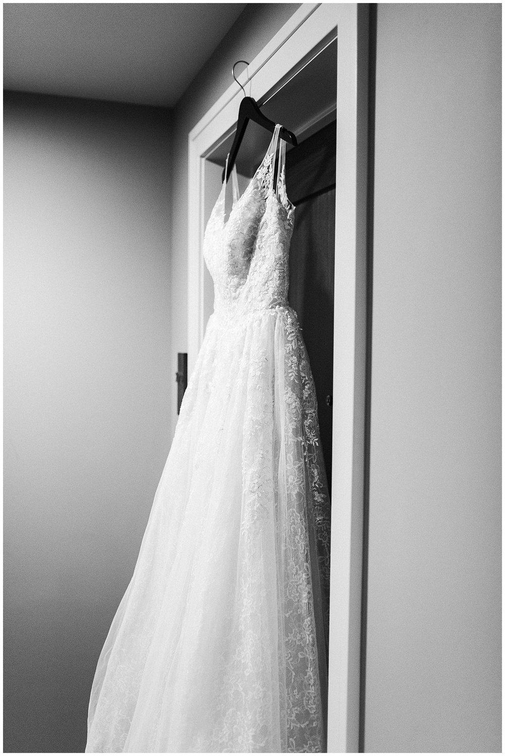 lindybeth photography - sievers wedding - hope college - boatwerks - blog-10.jpg