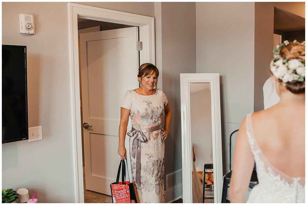lindybeth photography - sievers wedding - hope college - boatwerks - blog-29.jpg