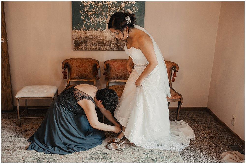 lindybeth photography - huisinga wedding - gable hill - blog-34.jpg