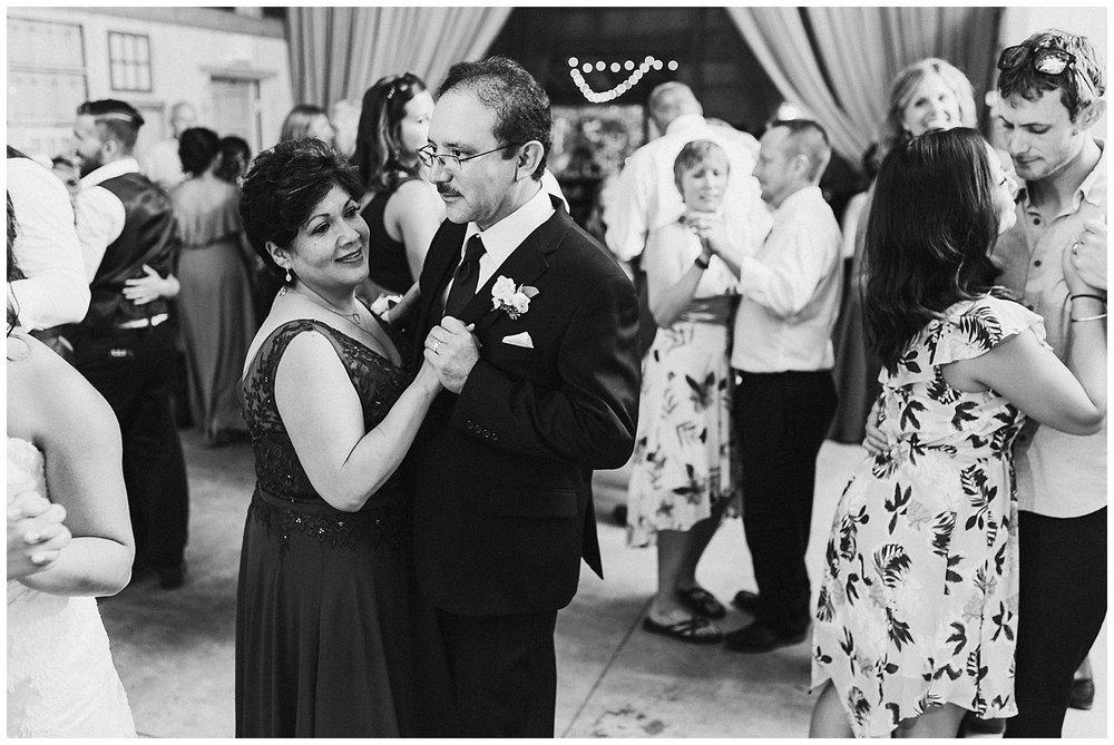 lindybeth photography - huisinga wedding - gable hill - blog-256.jpg