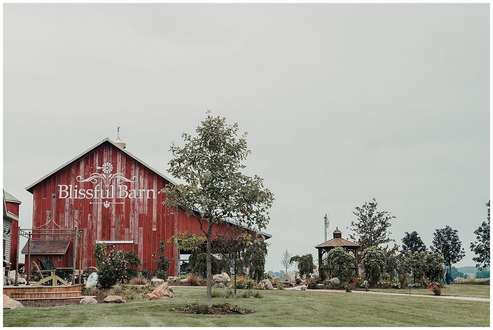 lindybeth photography - bravo wedding - blissful barn - blog-7.jpg