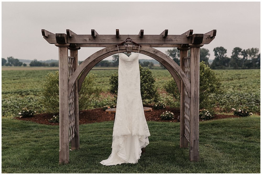 lindybeth photography - bravo wedding - blissful barn - blog-8.jpg