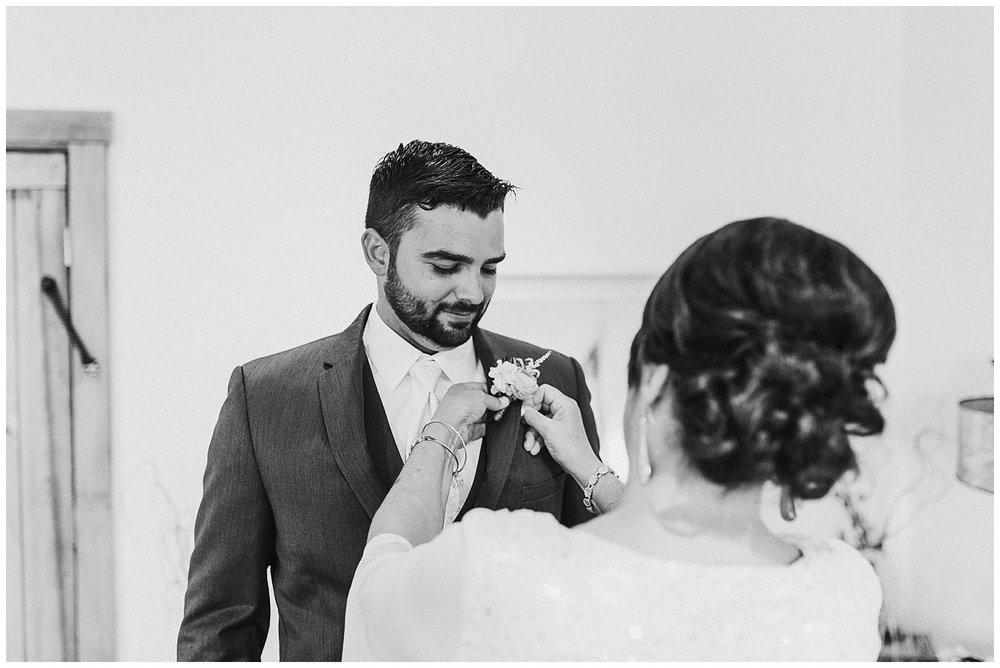 lindybeth photography - bravo wedding - blissful barn - blog-32.jpg