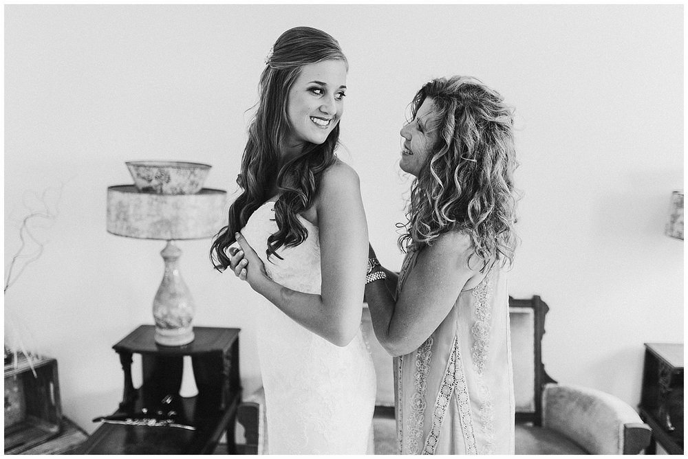 lindybeth photography - bravo wedding - blissful barn - blog-38.jpg