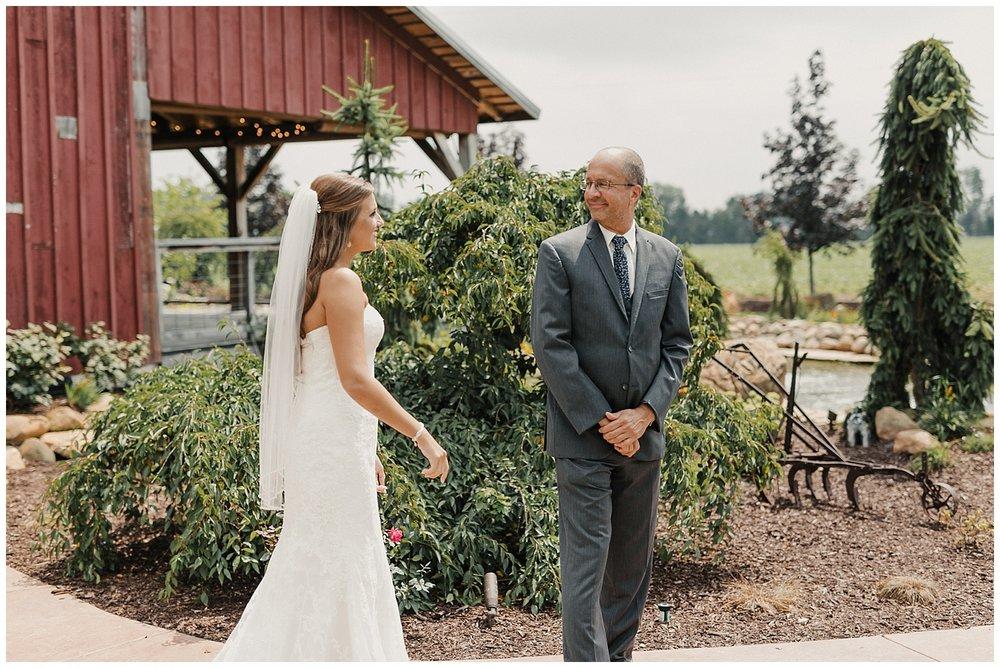 lindybeth photography - bravo wedding - blissful barn - blog-48.jpg