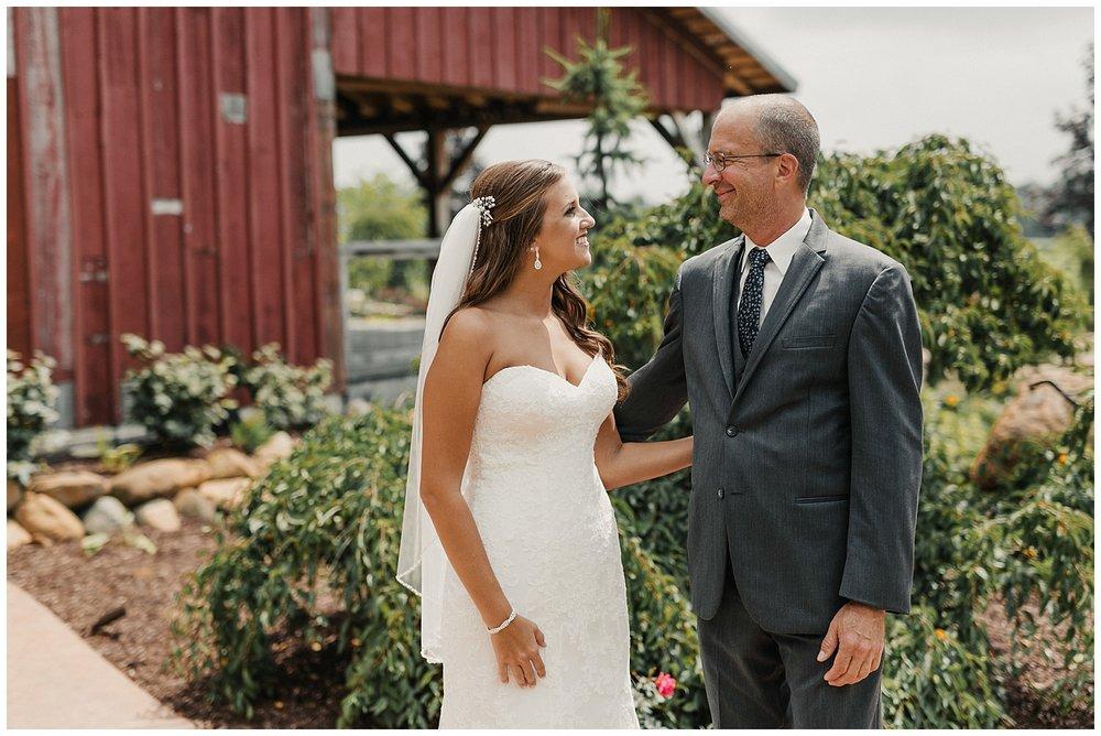 lindybeth photography - bravo wedding - blissful barn - blog-53.jpg