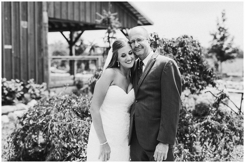 lindybeth photography - bravo wedding - blissful barn - blog-54.jpg