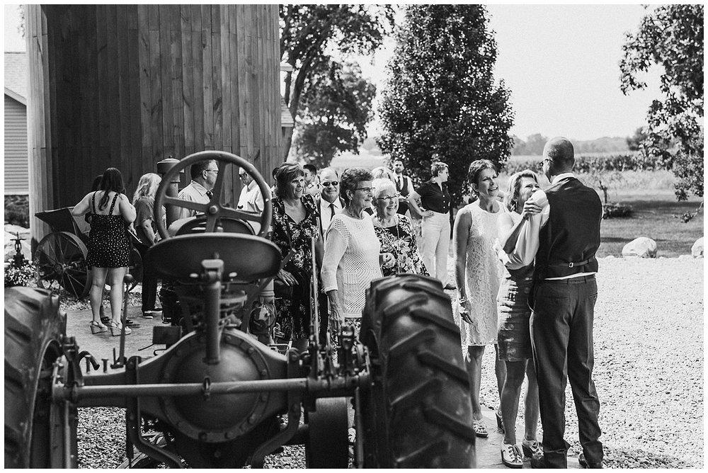 lindybeth photography - bravo wedding - blissful barn - blog-137.jpg