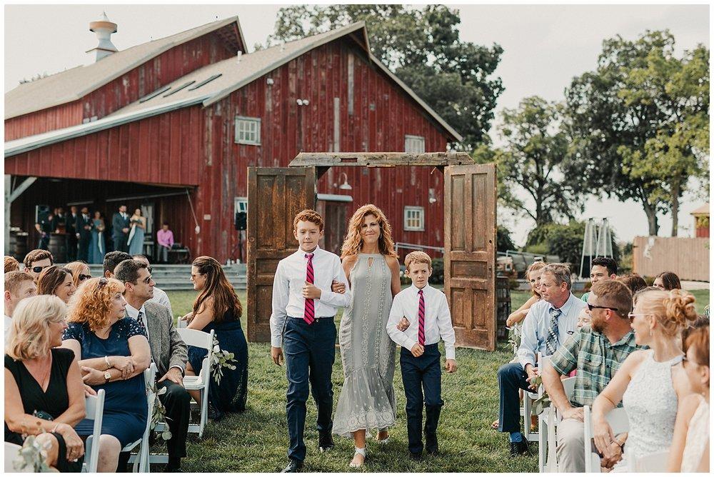 lindybeth photography - bravo wedding - blissful barn - blog-146.jpg