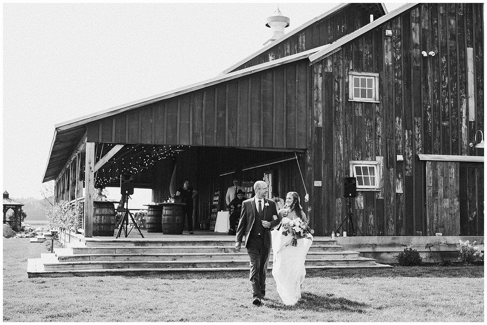 lindybeth photography - bravo wedding - blissful barn - blog-149.jpg
