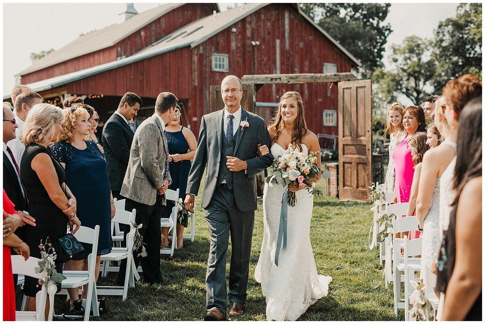 lindybeth photography - bravo wedding - blissful barn - blog-152.jpg