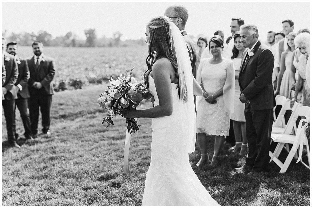 lindybeth photography - bravo wedding - blissful barn - blog-153.jpg