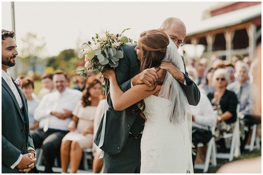 lindybeth photography - bravo wedding - blissful barn - blog-156.jpg