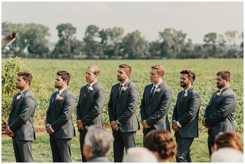 lindybeth photography - bravo wedding - blissful barn - blog-160.jpg
