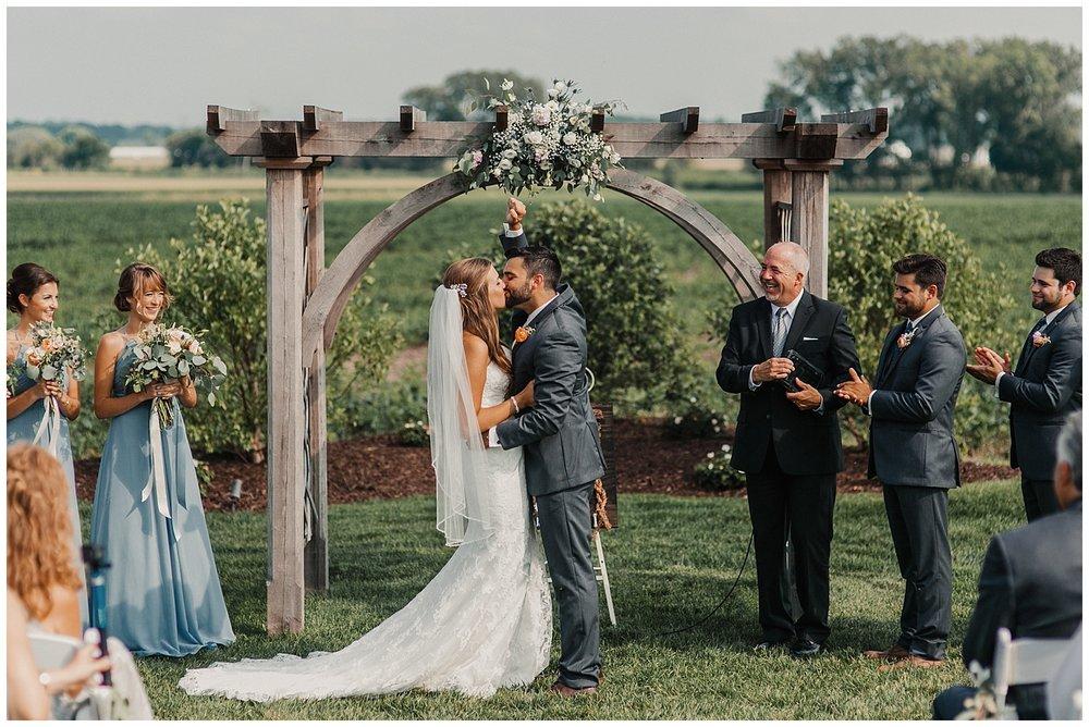 lindybeth photography - bravo wedding - blissful barn - blog-167.jpg