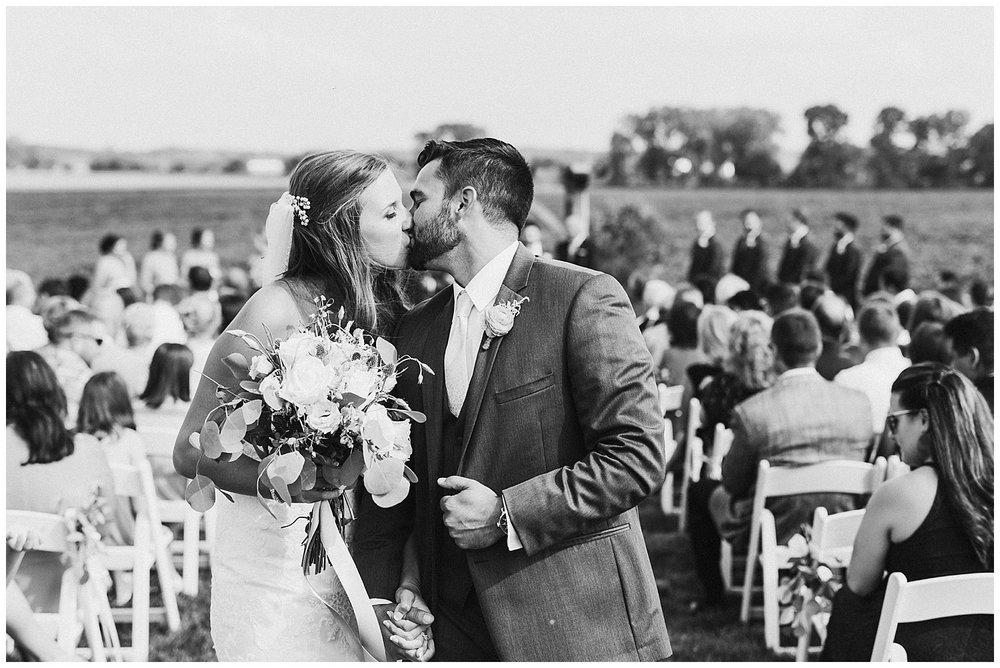 lindybeth photography - bravo wedding - blissful barn - blog-170.jpg
