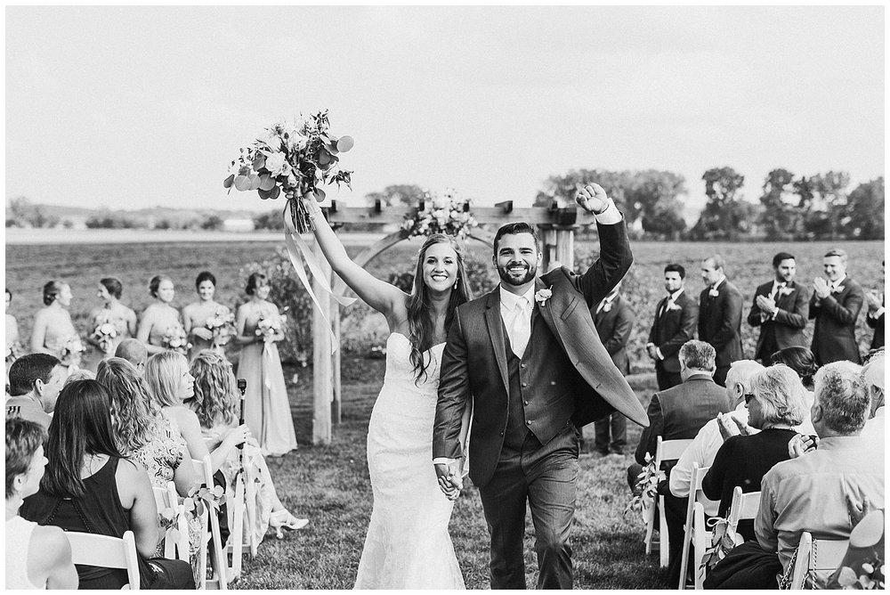 lindybeth photography - bravo wedding - blissful barn - blog-169.jpg