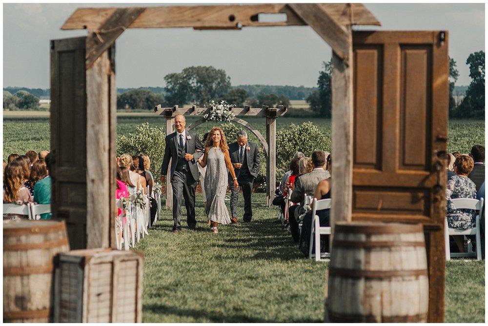 lindybeth photography - bravo wedding - blissful barn - blog-172.jpg