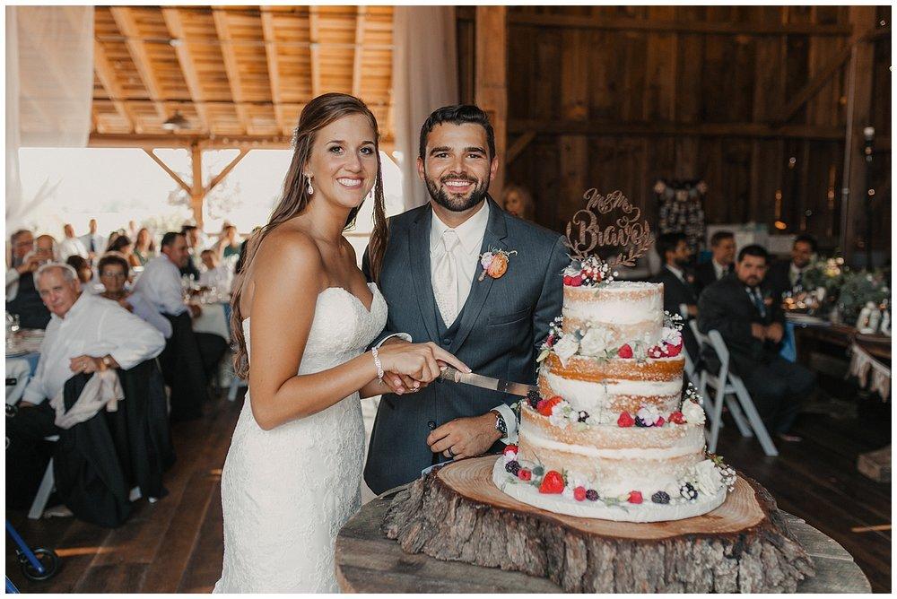 lindybeth photography - bravo wedding - blissful barn - blog-200.jpg