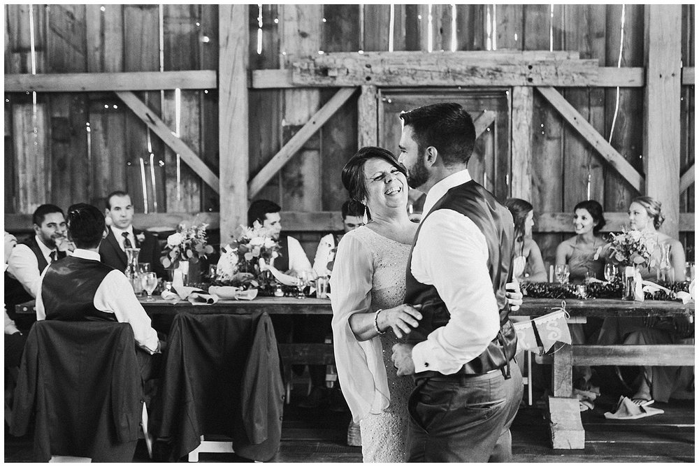 lindybeth photography - bravo wedding - blissful barn - blog-220.jpg