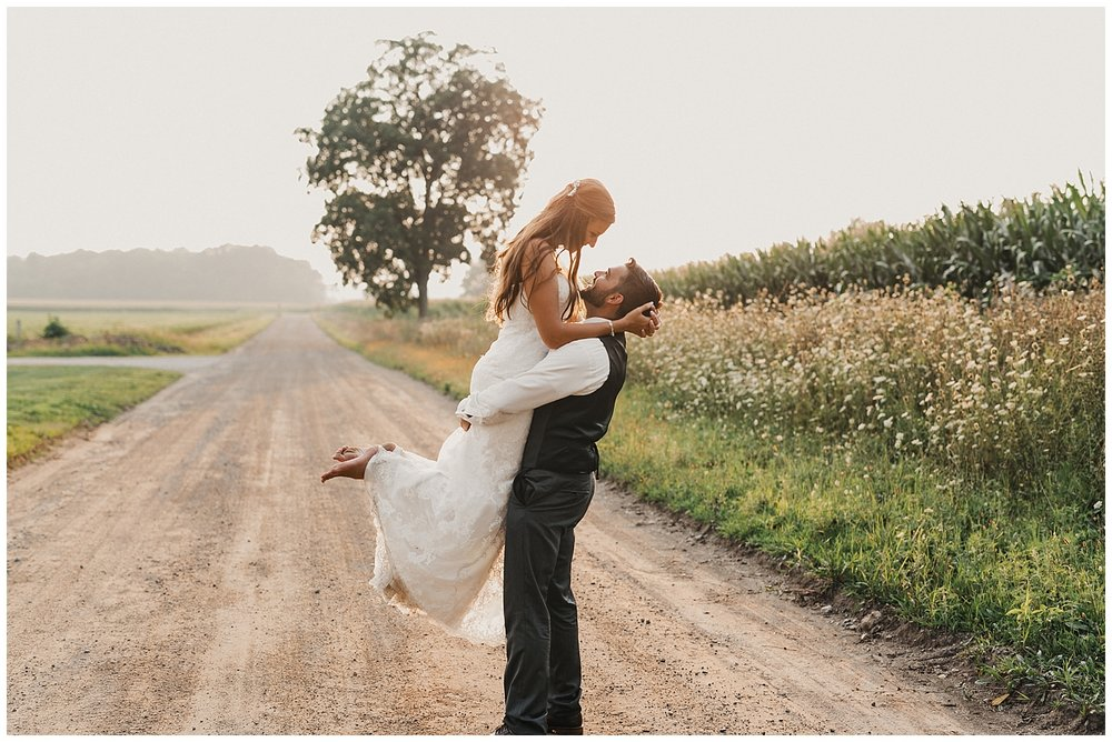 lindybeth photography - bravo wedding - blissful barn - blog-237.jpg