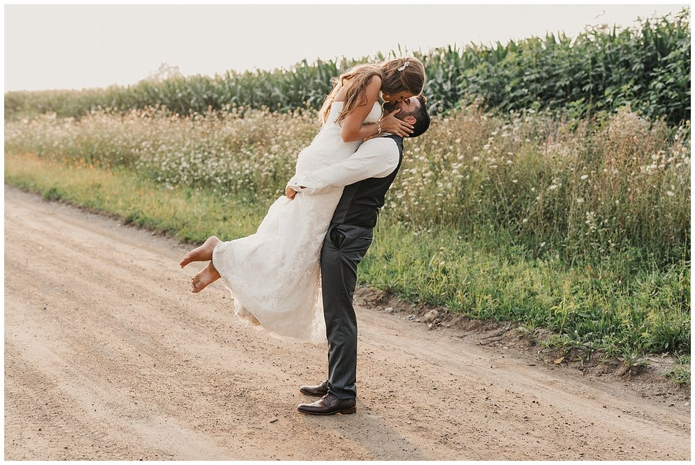 lindybeth photography - bravo wedding - blissful barn - blog-239.jpg