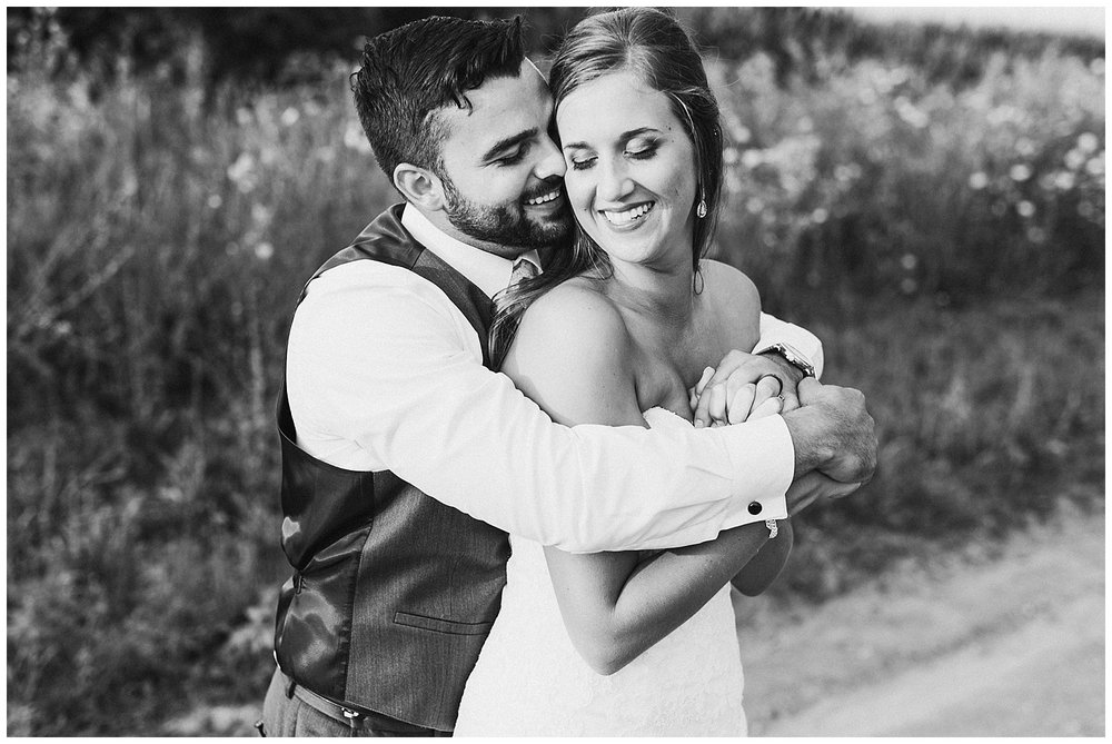 lindybeth photography - bravo wedding - blissful barn - blog-246.jpg