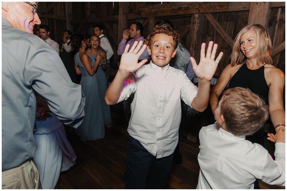 lindybeth photography - bravo wedding - blissful barn - blog-253.jpg